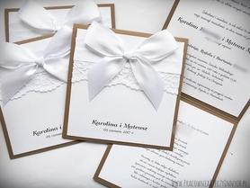 Rustykalne zaproszenia z koronkami
