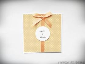 Zaproszenia ślubne z kropkami, paskami i innymi wzorami