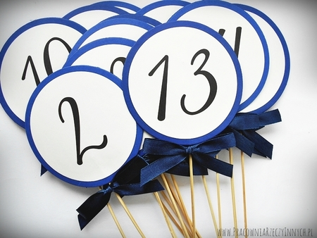 Okrągłe numery stołów na patyczku do wbicia (1)