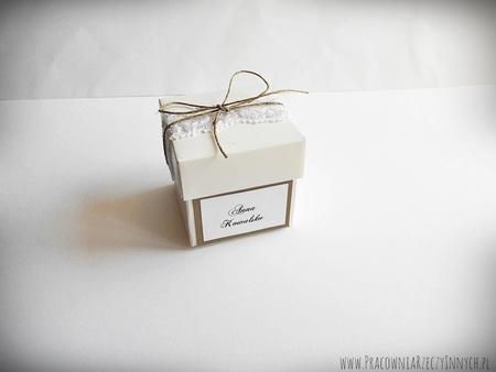 Rustykalne pudełeczko z wieczkiem i koronką (3)