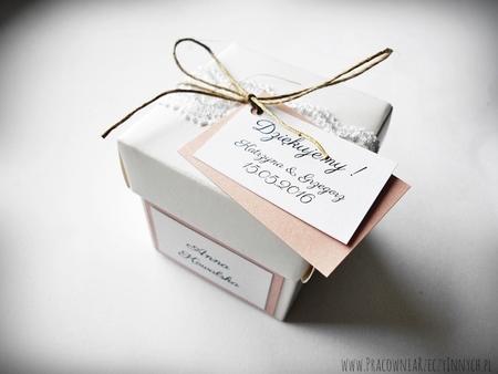 Rustykalne pudełeczko z wieczkiem i koronką (1)