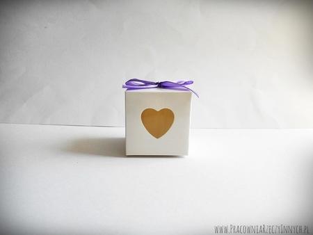 Prezencik pudełeczko z serduszkiem (6)