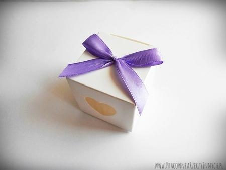 Prezencik pudełeczko z serduszkiem (8)