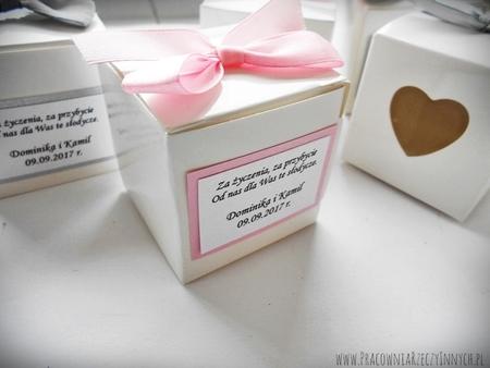 Prezencik pudełeczko z serduszkiem (4)
