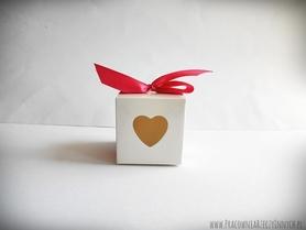 Pudełeczko dla gości z serduszkiem i tasiemką