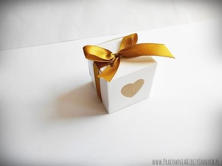 Pudełeczko dla gości z serduszkiem i tasiemką (4)