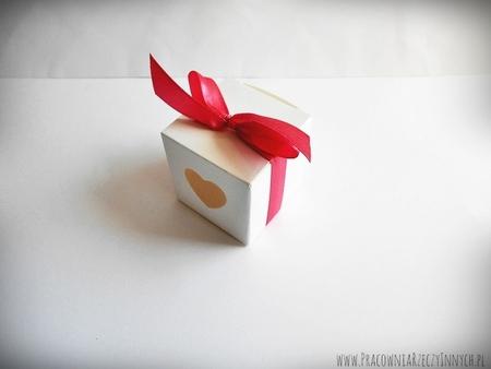 Pudełeczko dla gości z serduszkiem i tasiemką (6)