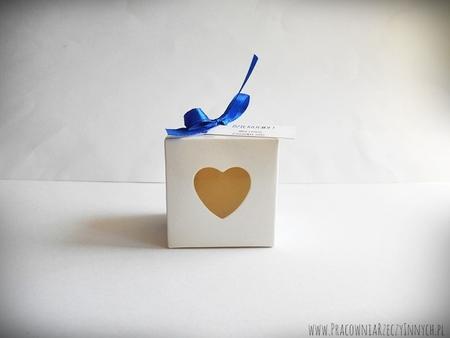 Pudełeczko dla gości z serduszkiem i tasiemką (2)