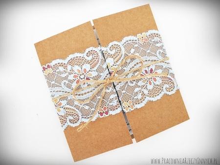 Romantyczne zaproszenia z eko papieru i koronki (11)