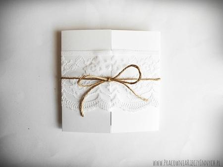 Romantyczne zaproszenia z eko papieru i koronki (16)