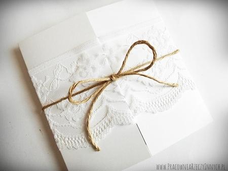 Romantyczne zaproszenia z eko papieru i koronki (6)