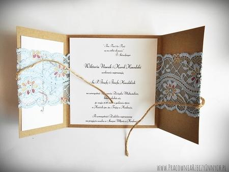 Romantyczne zaproszenia z eko papieru i koronki (7)