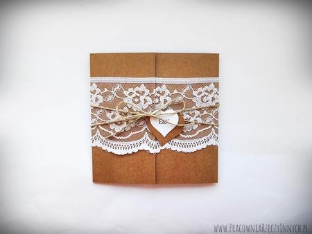 Romantyczne zaproszenia z eko papieru i koronki (2)