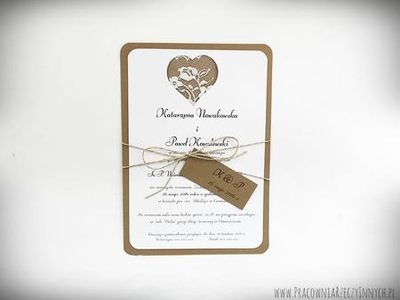 Rustykalne zaproszenie z koronką (1)