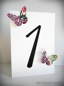 Numery stołów z kolorowymi motylkami ażurowymi /BUTTERFLY/