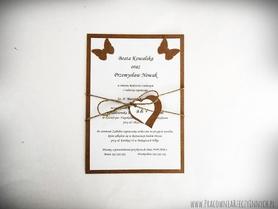Rustykalne zaproszenia z motylami, ptaszkami lub innymi