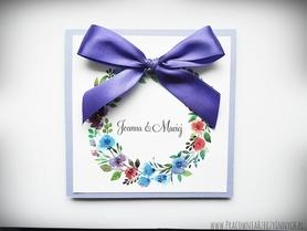 Kolorowe zaproszenia z kwiatami