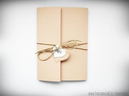 Zaproszenie z ekologicznego papieru z kieszonką i wkładką RSVP (4)