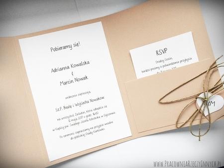 Zaproszenie z ekologicznego papieru z kieszonką i wkładką RSVP (5)