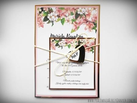Zaproszenia z lustrzanym papierem i motywem kwiatowym (16)