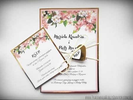 Zaproszenia z lustrzanym papierem i motywem kwiatowym (17)