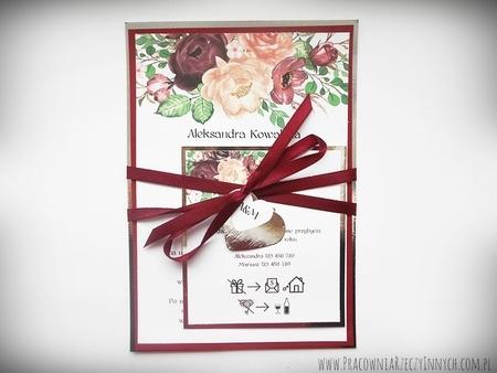 Zaproszenia z lustrzanym papierem i motywem kwiatowym (21)