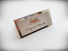 Winietki na złotym lub srebrnym papierze z kwiatami