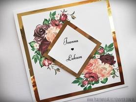 Złote lub srebrne zaproszenia z grafiką kwiatową