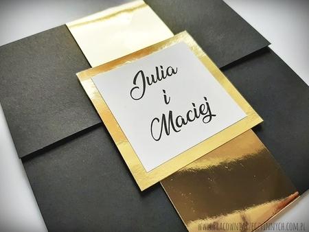 Kopertowe zaproszenia ze złotą/srebrną opaską i wkładką RSVP (5)