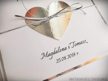 Złote lub srebrne zaproszenie z sercem (10)
