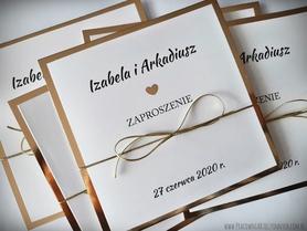 Klasyczne zaproszenia w kolorze złotym lub srebrnym