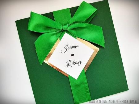 Kolorowe zaproszenie ze złotem lub srebrem i kokardą (10)