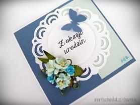 Z niebieskim motylem
