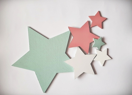 Komplet gwiazdek drewnianych na ścianę (5)