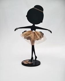 Baletnica w  tiulowej spódniczce
