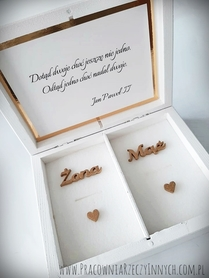 Drewniane pudełko białe na obrączki