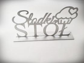Dowolny napis drewniany w stylu glamour.